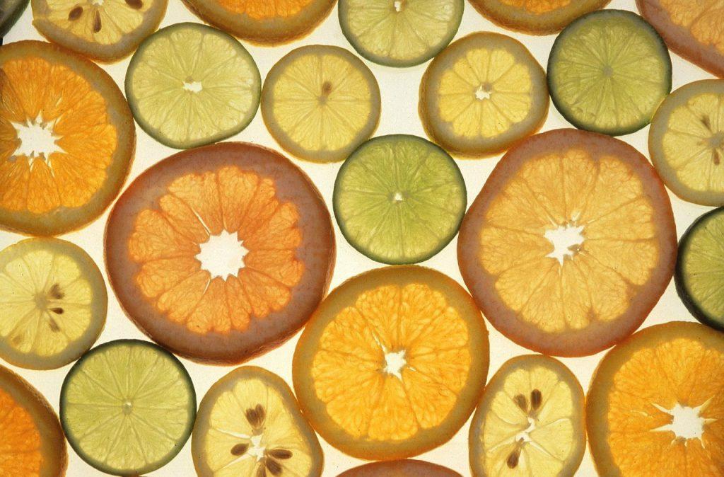 Schijvene citrusvruchten met limoneen
